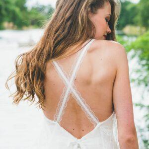 Robe de mariée dos nu Adeline Bauwin, fabriqué en France en Auvergne-Rhône-Alpes