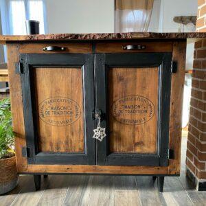Meuble en bois avec poignées en cuir Atelier CuirandCo, fabriquées en France à Gien en Centre-Val de Loire