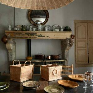 Paniers en osier et luminaire en osier Atelier Vime, fabriqués en France dans le Gard