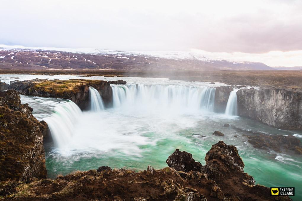 冰島北部精品3日團   阿克雷里&米湖