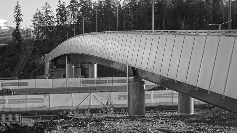 Produktiv byggeproces - Gang- og cykelbro i beton og stål