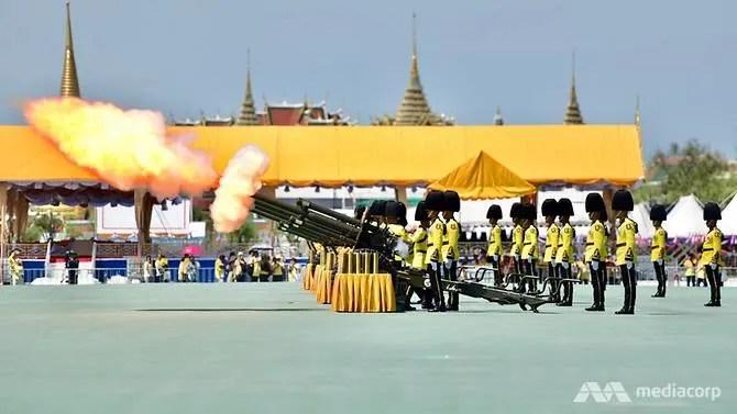 A gun salute to mark the start of King Maha Vajiralongkorn's coronation. (Photo: Pichayada Promchertchoo)