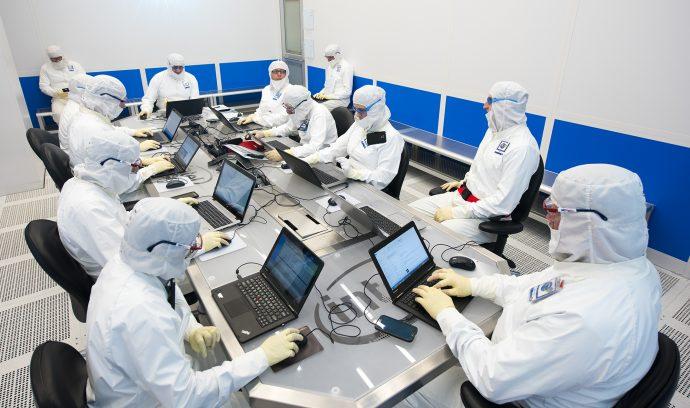 Intel Bunnysuits fab