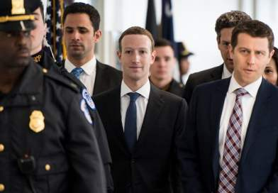 Some major Facebook investors want to oust Zuckerberg after scandals