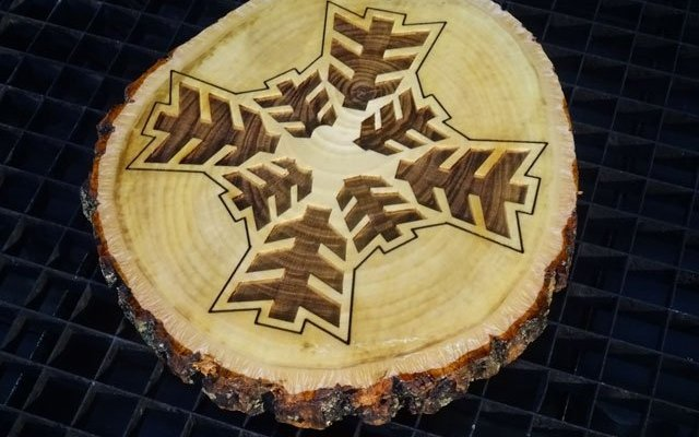live-edge-ornament-x8 Custom Live Edge Ornament: Real Wood Disk Engraving Design