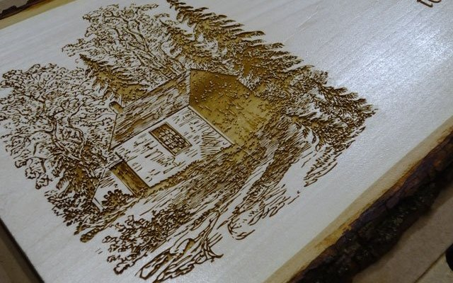 wood-live-edge-xx8 Custom Pyrography Services