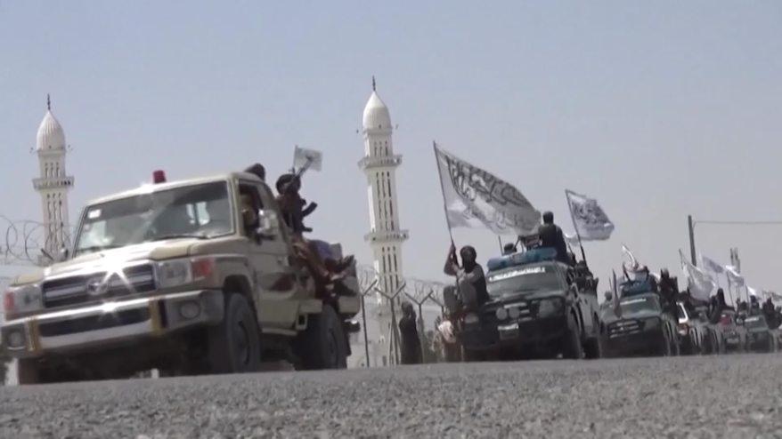 شاهد.. موكب طالبان وسط تكهنات حول مستقبل الحكومة الأفغانية