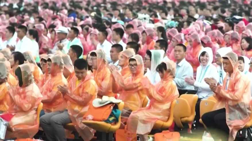 حجب عن الإنترنت واتهامات بالتهرب الضريبي.. الحكومة الصينية تعاقب مشاهير