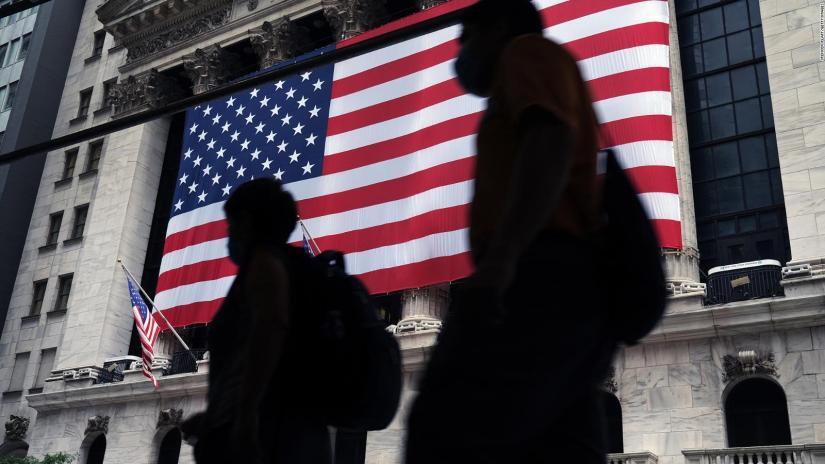 Tech stocks fall on Wall Street