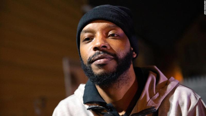 Nijeer Parks fue arrestado por crimenes que no cometió gracias a un escaneo de reconocimiento facial erróneo (John General/CNN)