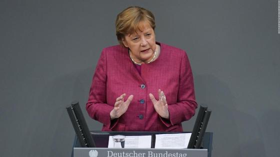 Angela Merkel receives the first vaccine against Covid-19