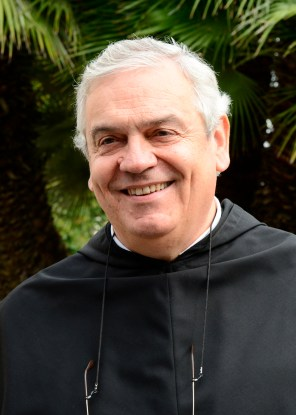 Servite Father Ermes Ronchi in a 2012 file photo. (CNS/Cristian Gennari)
