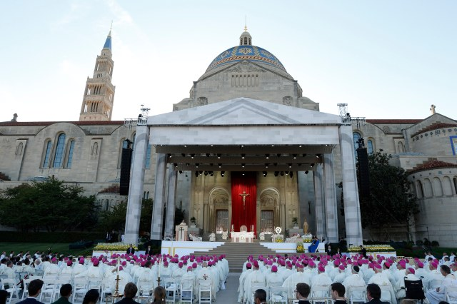 Pope Francis celebrates Mass and the canonization of Junipero Serra outside the Basilica of the National Shrine of the Immaculate Conception in Washington one year ago. (CNS/Paul Haring)