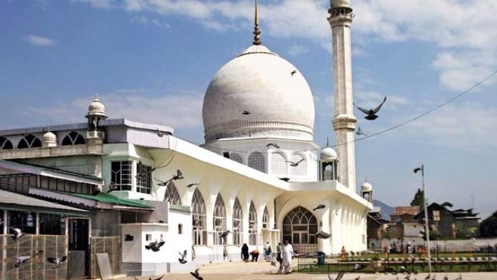 Hazratbal Masjid-Places to visit in Kashmir