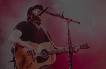 Randy Houser hat uns fast 3 Jahre auf ein neues Album warten lassen. Nun ist er mit seinem Werk Magnolia wieder am Start und übertrifft sich damit selbst.