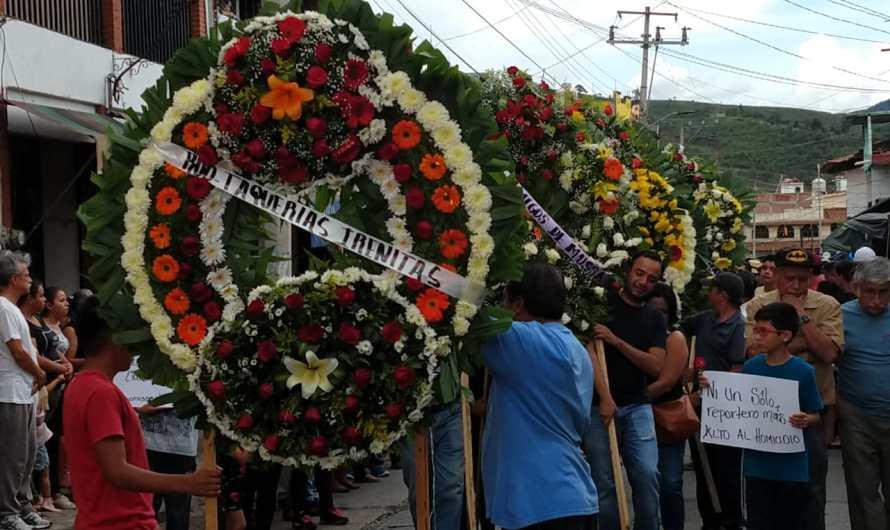 """Cierre de panteones, """"mortal"""" para floricultores"""