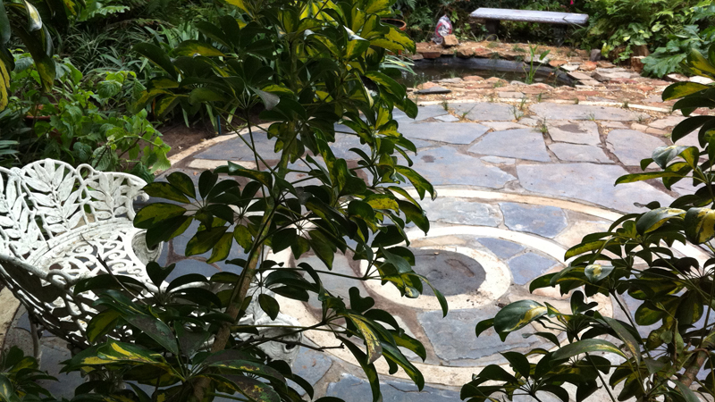 Feature stone spiral