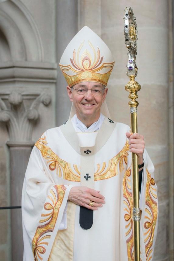 erzbischof-dr--ludwig-schick-portaet-005