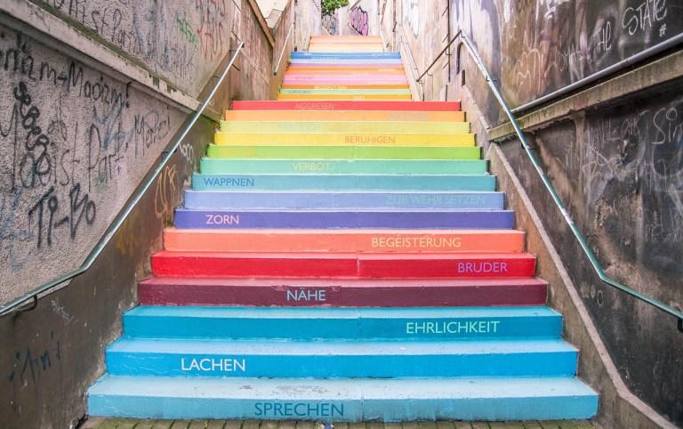 Schritt für Schritt die Treppe nach oben