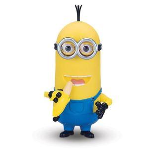 minions-kevin-parle-dans-sa-banane