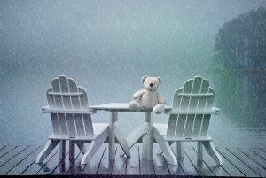 still-pluie-ours-chaise vides