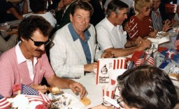 Richard-Petty-1984-NASCAR-Ronald-Reagan-Firecracker-400-650x400