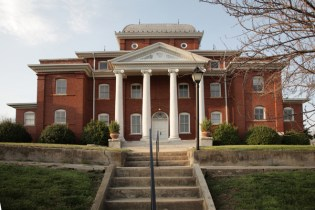 Stokes County Courthouse (Built 1904)