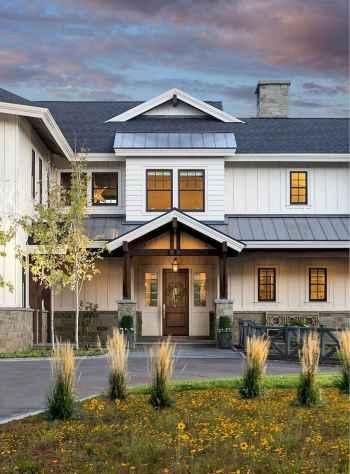 130 Stunning Farmhouse Exterior Design Ideas (123)
