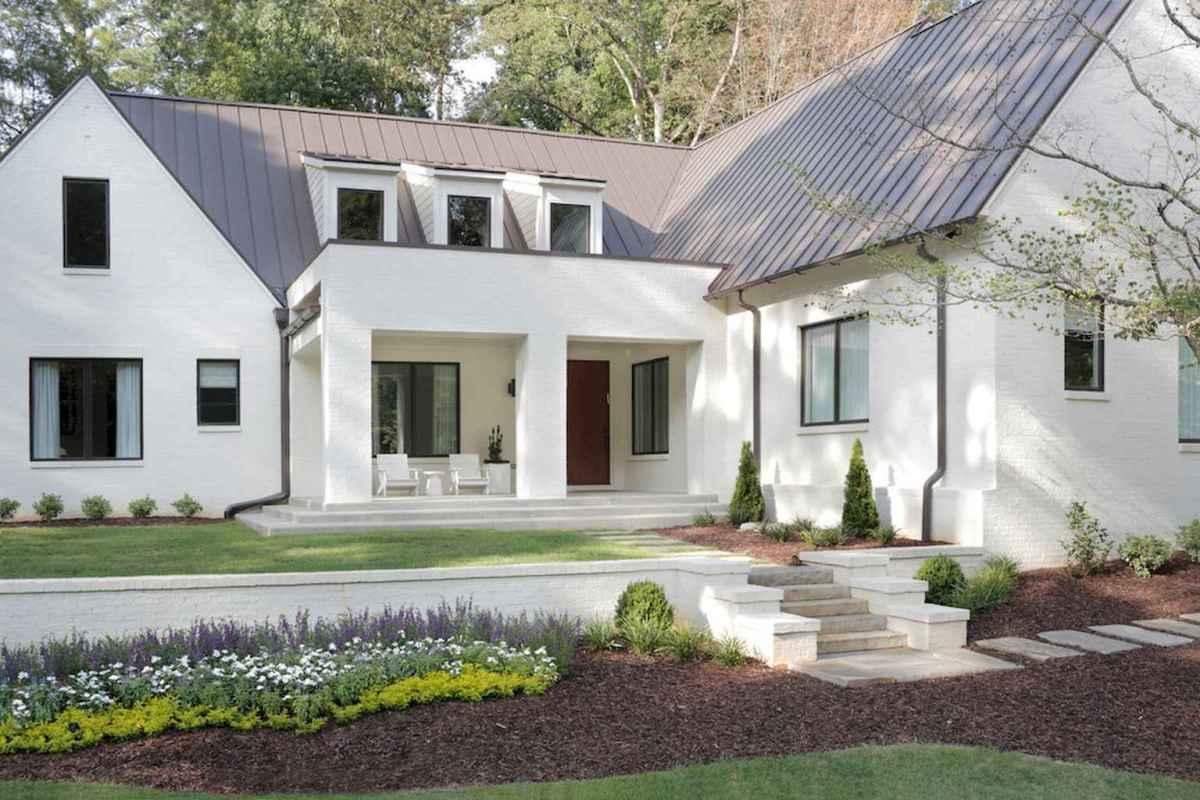 130 Stunning Farmhouse Exterior Design Ideas (28)