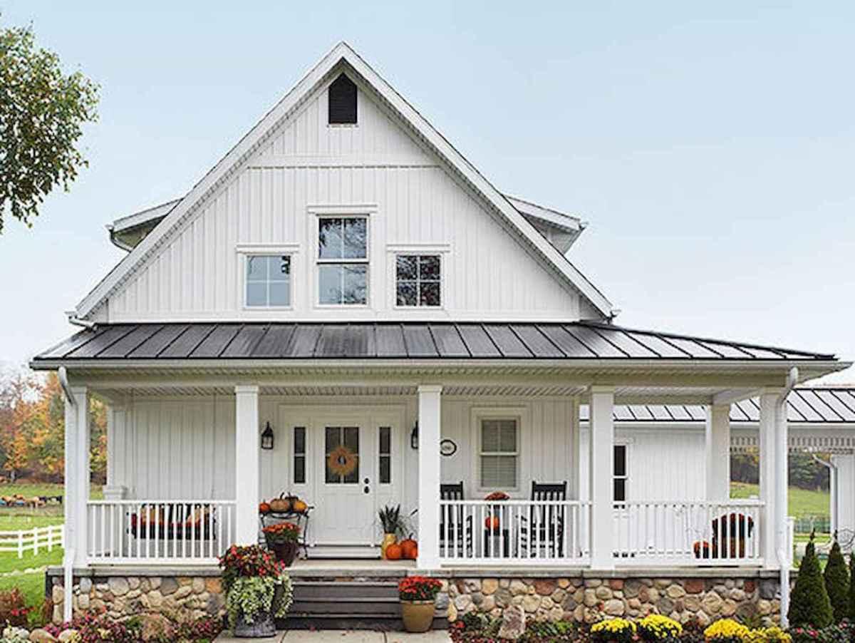 130 Stunning Farmhouse Exterior Design Ideas (6)