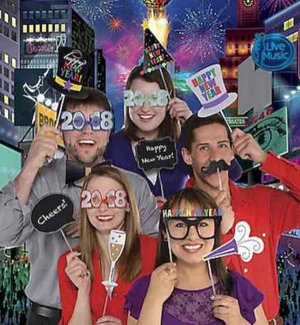 40 Best DIY 2018 New Years Eve Decor Ideas (11)