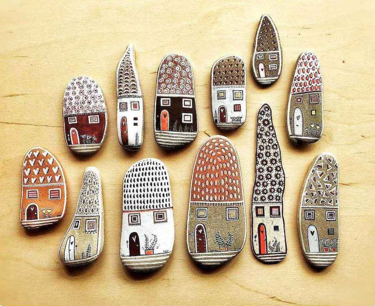 50 DIY Painted Rock Ideas for Your Home Decoration (15)
