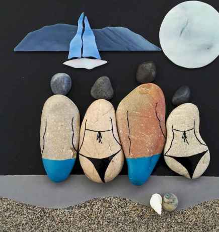 50 DIY Painted Rock Ideas for Your Home Decoration (41)