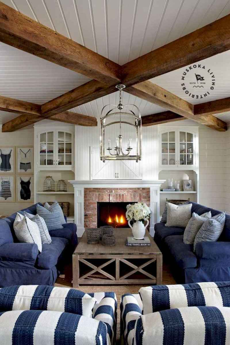 70 Cool and Clean Coastal Living Room Decorating Ideas (1)