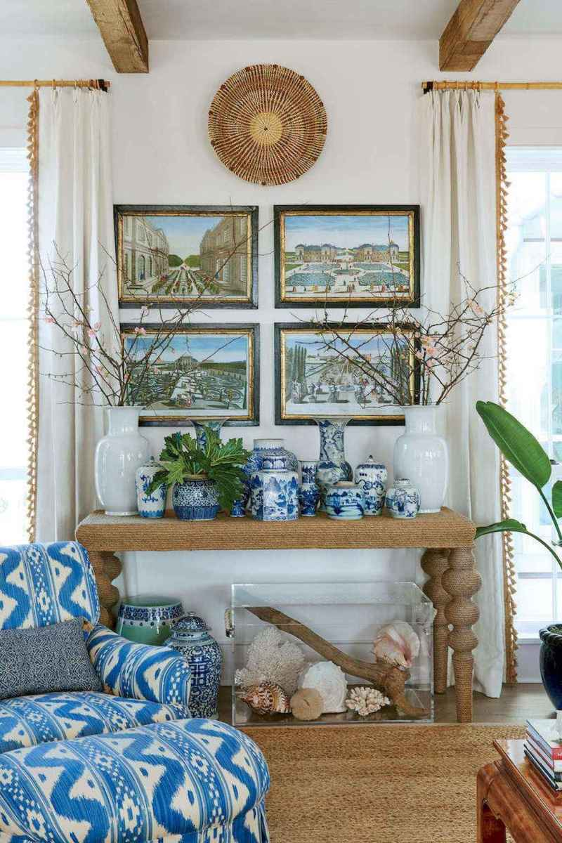 70 Cool and Clean Coastal Living Room Decorating Ideas (16)