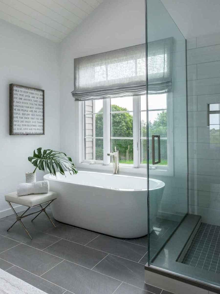 80 Amazing Master Bathroom Remodel Ideas (52)