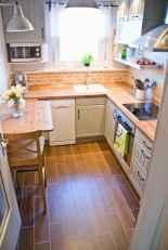 70 Brilliant Small Apartment Kitchen Decor Ideas (56)