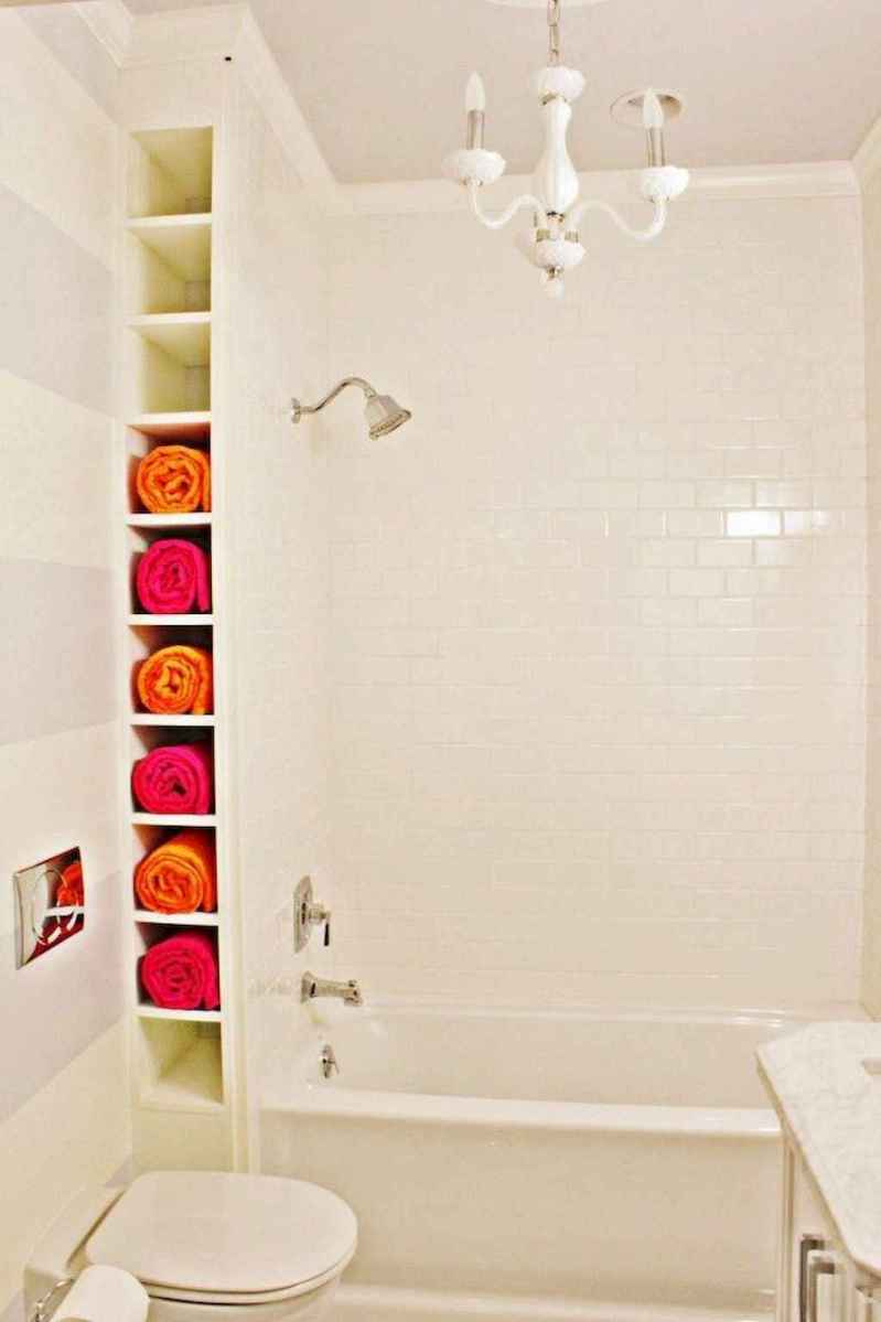 111 Best Small Bathroom Remodel On A Budget For First Apartment Ideas (61)