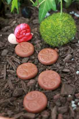 120 Easy And Simply To Try DIY Polymer Clay Fairy Garden Ideas (117)