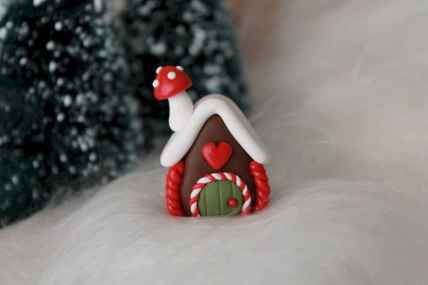 120 Easy And Simply To Try DIY Polymer Clay Fairy Garden Ideas (12)