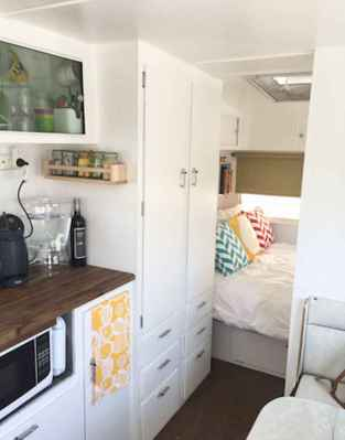 70 Brilliant RV Living Iinterior Remodel Ideas On A Budget (15)