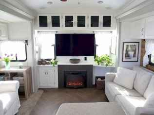 70 Brilliant RV Living Iinterior Remodel Ideas On A Budget (64)