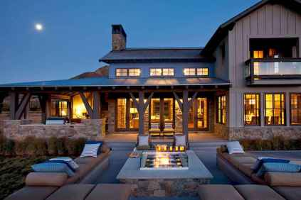 90 Awesome Modern Farmhouse Exterior Design Ideas (44)