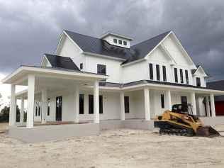 90 Awesome Modern Farmhouse Exterior Design Ideas (74)