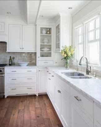 100 Elegant White Kitchen Cabinets Decor Ideas For Farmhouse Style Design (58)