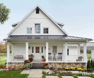 110 Beautiful Farmhouse Porch Decor Ideas (62)