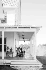 110 Beautiful Farmhouse Porch Decor Ideas (72)