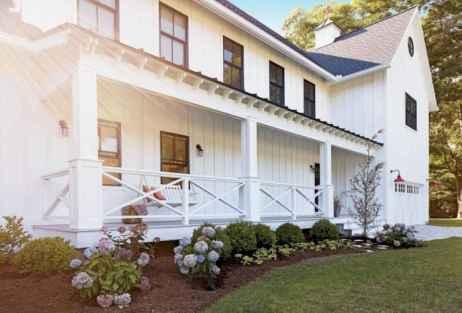 110 Beautiful Farmhouse Porch Decor Ideas (79)