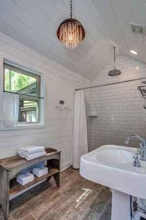 80 Cool Farmhouse Tile Shower Ideas Remodel (57)