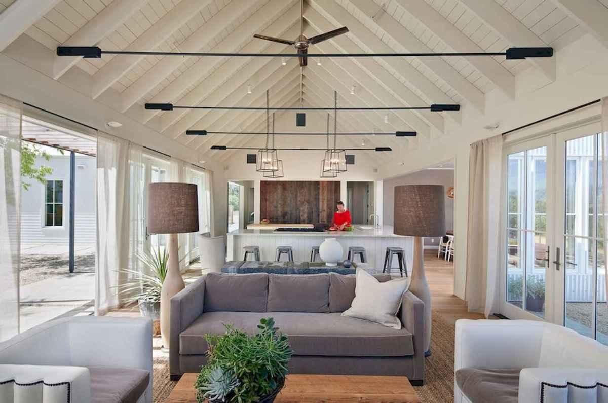35 Best Farmhouse Sunroom Decor Ideas and Remodel (11)
